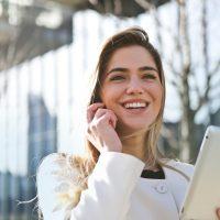 businesswoman-call-career-789822 (1)